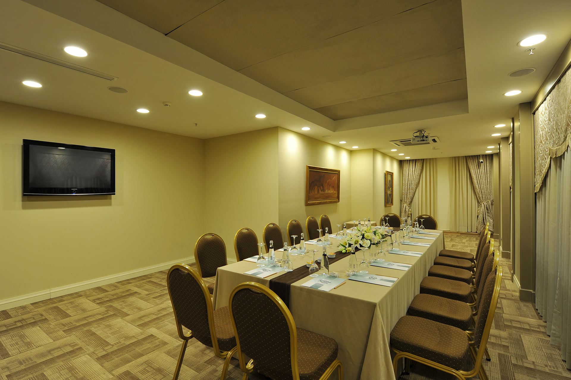 HOTEL YASMAK SULTAN ISTANBUL - Topkapi meeting room in U shape