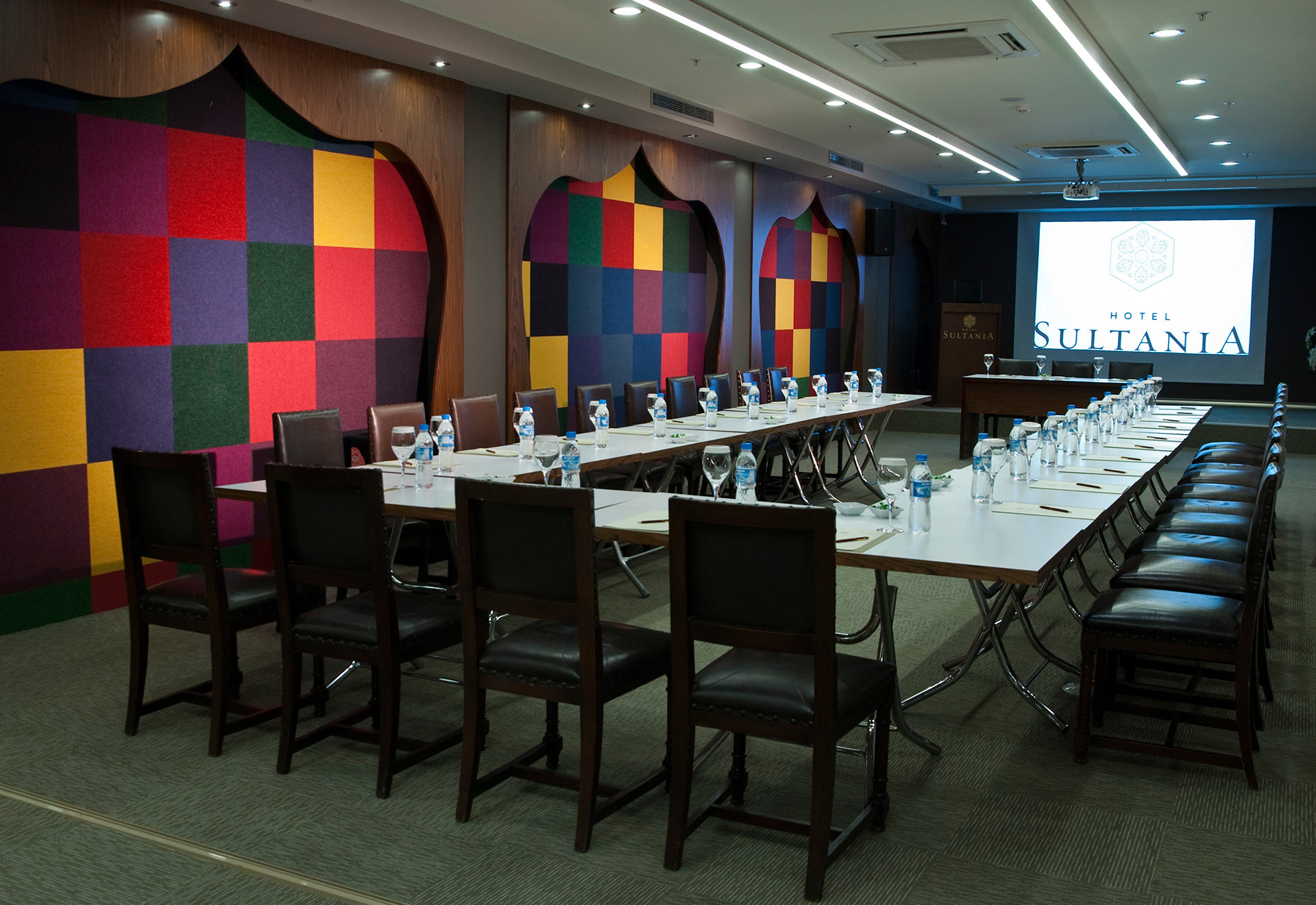HOTEL YASMAK SULTAN ISTANBUL - Topkapi meeting room with screen