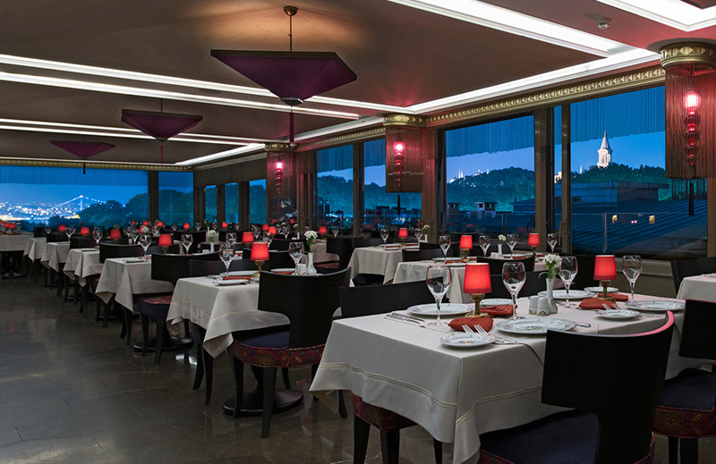 OLIVE ANATOLIAN RESTAURANT - Dinning Room with Bosphorus and Topkapi Palace View
