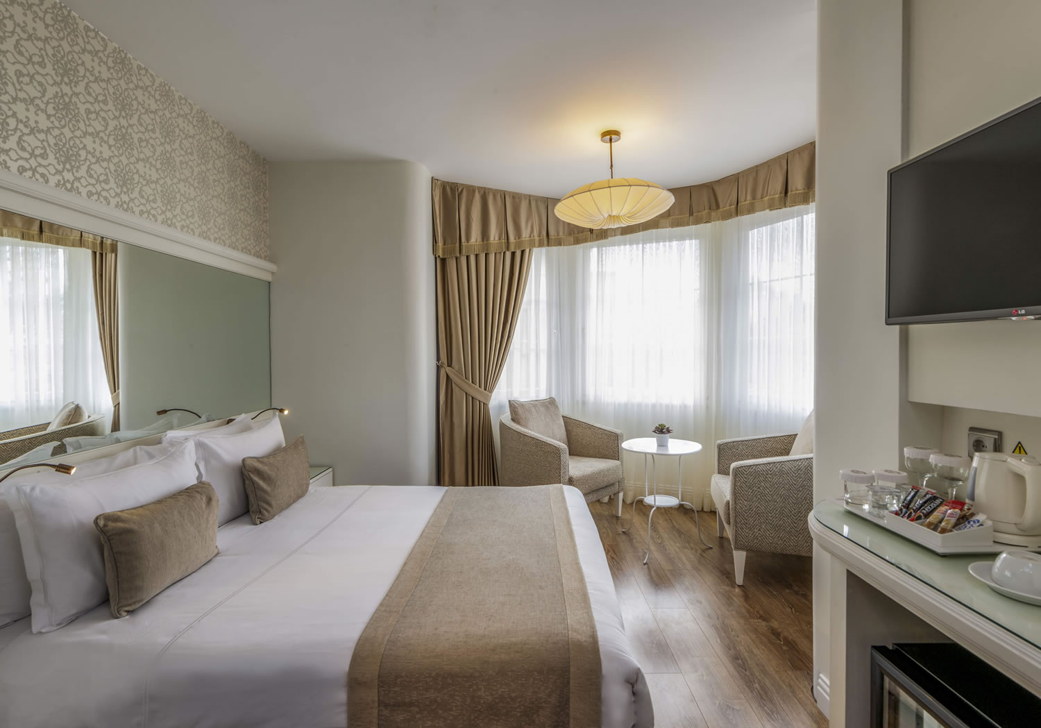 Deluxe double room with Hagia Sophia View 2